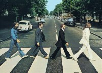 The_Beatles_Abbe_535908fb7ce75